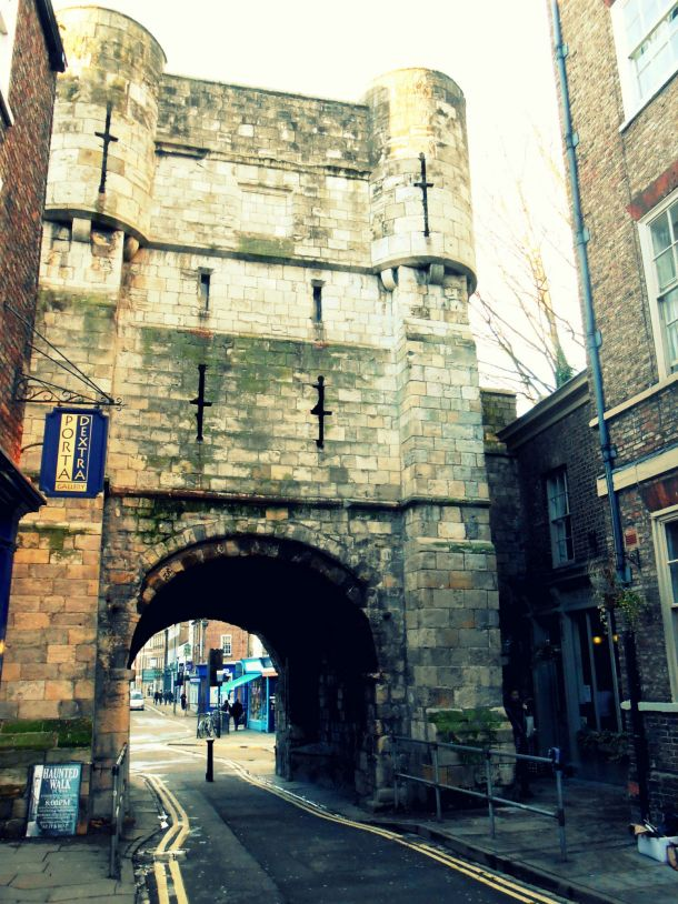 7 gate city wall york