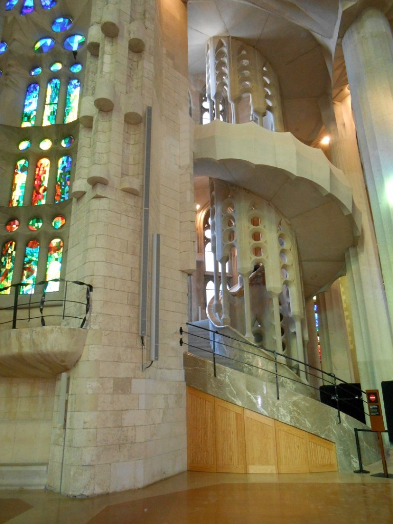5 inside sagrada familia