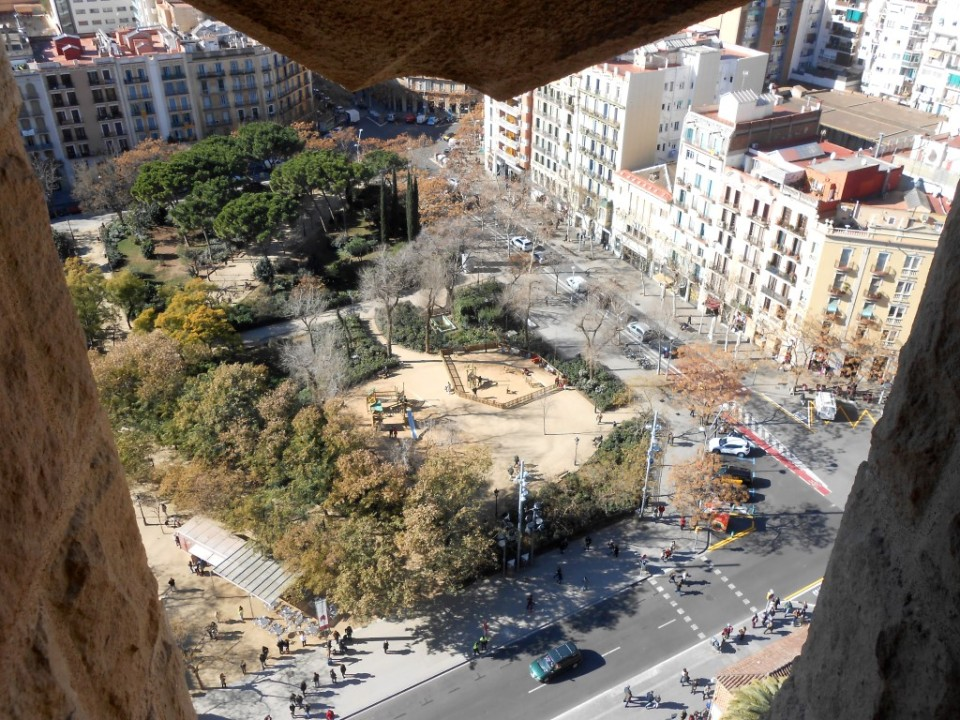 9 inside sagrada familia view