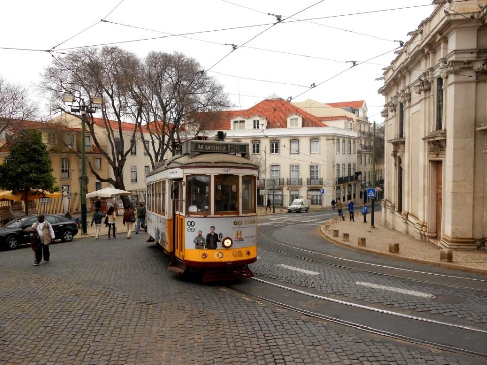 11 lisbon tram